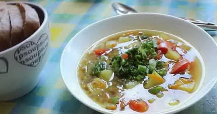 Сытный суп с чечевицей, картофелем и цветной капустой 🍲