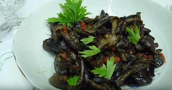 Жареные опята с луком на сковороде — Итальянская кухня 🍄