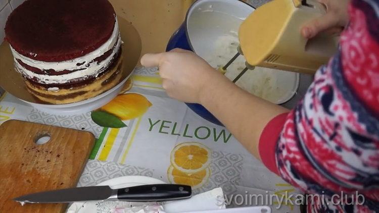 Для приготовления торта подготовьте крем