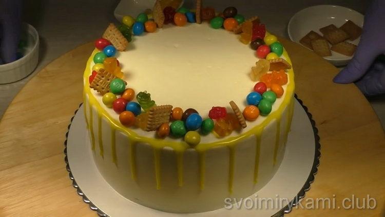 """Торт """"C днем рождения"""" по простому пошаговому рецепту с фото"""