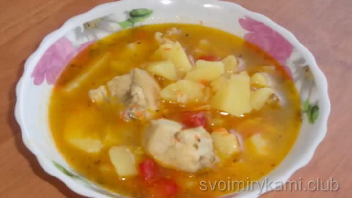 Вкусная тушеная картошка с курицей в кастрюле по-деревенски