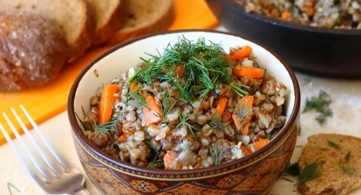 Вкусная гречка с тушенкой 🥝 на сковороде