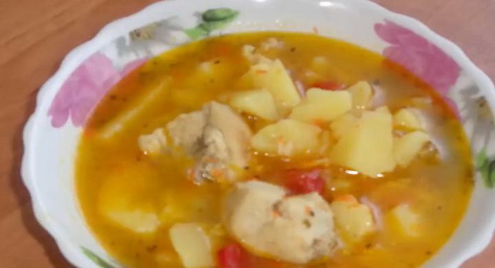 Вкусная тушеная картошка 🥝 с курицей в кастрюле по-деревенски