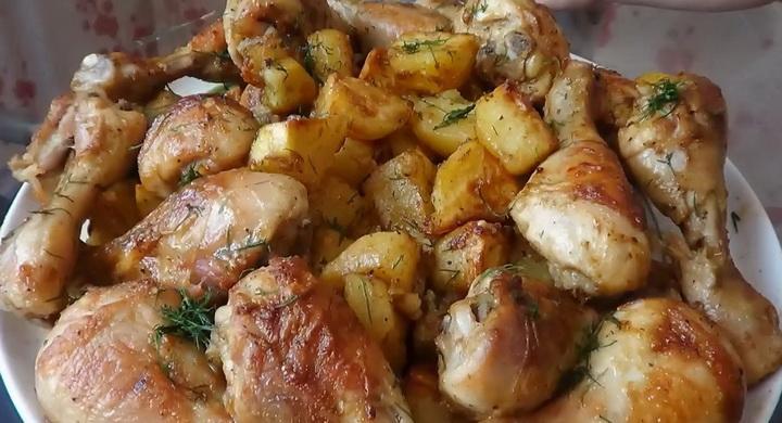 Вкусные и нежные куриные 🥝 ножки с картошкой в духовке