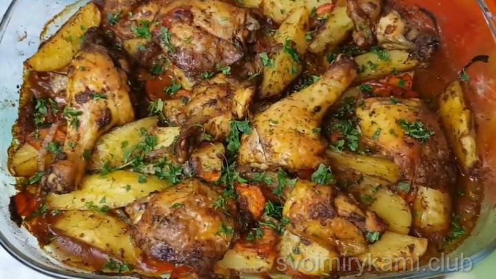 картошка запеченная с курицей в духовке готова