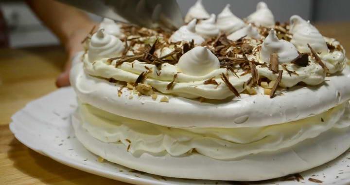 Меренговый торт с кремом 🥝 «Пломбир»