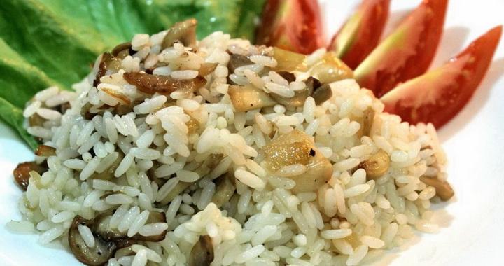 Рис с грибами и луком 🥝 — вкусно и просто