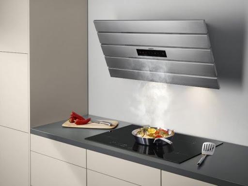 Правильная вытяжка на кухне улучшит вашу жизнь